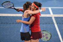 Sania Mirza, Martina Hingis equal record for most consecutive wins in women's doubles