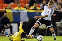 Valencia overcome Las Palmas to book Copa del Rey semi-final berth