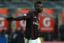 Balotelli target of AC Milan owner Berlusconi's gaffe