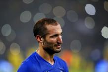 Juventus' Chiellini out for 20 days with torn muscle