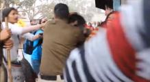 Watch: Delhi Police beats up protesting students mercilessly