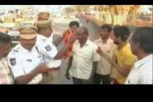 Hyderabad cops garland people urinating in public