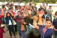 4 injured in clash between ABVP, CPI(ML) workers over JNU row