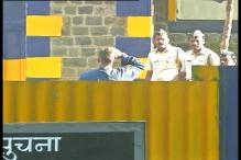 Photo of the day: Sanjay Dutt walks out with a grand salute to Yerwada Jail