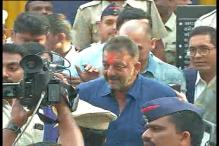 Sanjay Dutt walks out of Yerwada jail after 42 months