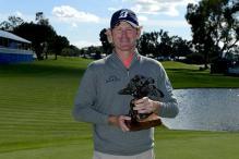 Brandt Snedeker wins Farmers Insurance Open without hitting shot