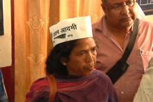 Acid attack: AAP leader Soni Sori flown to Delhi for treatment