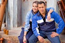 Salman Khan and Anushka Sharma wish Valentine's Day to their fans in 'Sultan' style