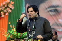 Varun Gandhi escapes unhurt after stage collapses