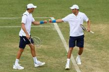 Bryan brothers spoil Hewitt's Davis Cup comeback