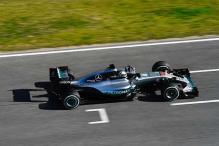 Hamilton suffers glitch, Ferrari top timings as Formula One testing ends