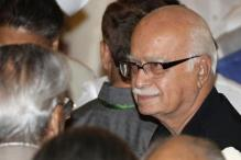 Controversy over 'Bharat mata ki jai' meaningless, says LK Advani