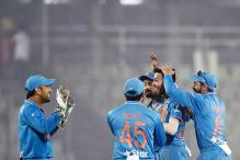 MS Dhoni gives a lot of confidence to youngsters: John Hastings