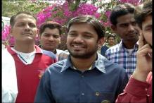 Slipper Hurled at JNUSU President Kanhaiya Kumar in Nagpur