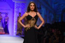 AIFWAW16, day 4: Malaika Arora Khan graces the ramp in Mandira Wirk creation