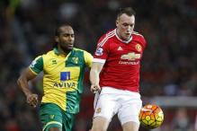 Fit-again Jones, Valencia and Fellaini boost Manchester United