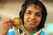 Geeta-slayer Sakshi keen to wrestle for Olympic quota