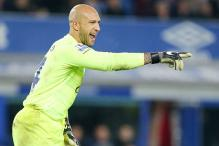 Everton say goalkeeper Tim Howard to join Colorado Rapids