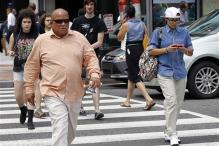 US lawmaker wants to put people behind bars for texting while walking