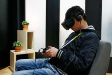 Facebook Hires Experts for Oculus VR Division