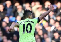 Sergio Aguero's Hat Trick Gives Manchester City 3-0 Win at Chelsea