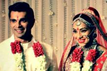 Watch: Bipasha and Karan Exchange Garlands in a Typical Bengali Style