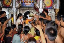 Women allowed to enter inner sanctum of Kolhapur Mahalaxmi temple