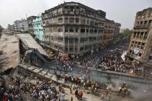 At Kolkata flyover collapse site, people throng to click selfies