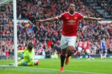 Manchester United keep top-four hopes alive after win over Everton