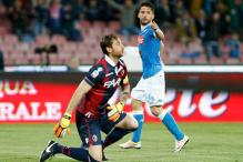 Mertens Fires Hat-Trick as Napoli Smash six Past Bologna