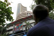 Sensex Gripped by US Rate Hike Fears, Slips Into Red Zone