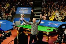 Six-time World Snooker Champion Steve Davis Retires
