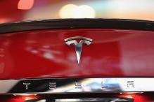 Tesla Posts Another Loss, But Says on Track for Future Deliveries