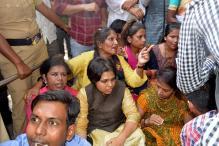 Trupti Desai Takes March to Haji Ali, Protesters Prevent Entry