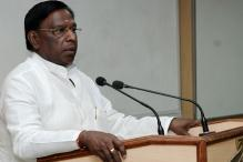 Narayanasamy Meets L-G Kiran Bedi, Stakes Claim to Form Govt in Puducherry