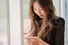 Texting on Smartphones Alters Rhythm of Brain Waves