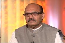 Amar Singh Targets Big B, Says he Lives in a Fantasy Land