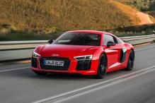 Watch the Audi R8 V10 Plus Reach 265 Km/h on an Airstrip