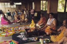 Jonty Rhodes Performs Puja For 'India'