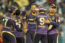 Kolkata Upset Hyderabad to Seal a Playoff Berth