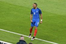 Payet's Late Free Kick Helps France Beat Cameroon 3-2