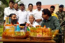 Ramdev Finds Lalu Prasad a Good Ambassador for Patanjali Products