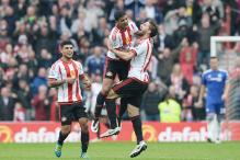 Terry Gets a Red Card As Sunderland Stun Chelsea 3-2