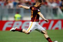 Totti Plays 600th League Game As Roma Go Second in Serie A