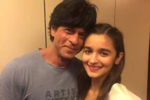 Proud Father Mahesh Bhatt Shares Photo of Alia With SRK