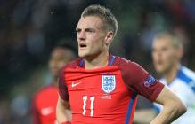 Jamie Vardy Signs New Contract With Leicester