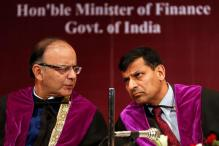 Rajan Meets Jaitley for Discussions over Monetary Policy Committee