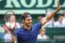 Federer Tops Jaziri After Trouble in Second Set