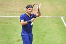 Roger Federer Reaches Crossroads at Wimbledon