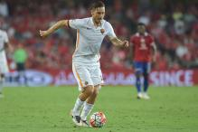 Francesco Totti Renews Roma Contract for One More Season